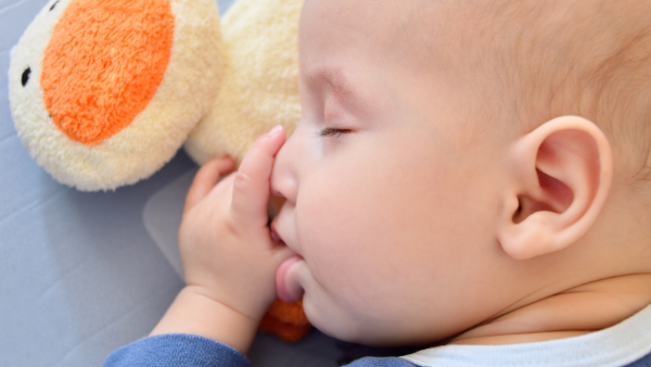 Impact of Thumb Sucking and Pacifiers for Kid's Growth